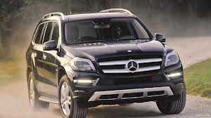 BMW's rival of all time,The Mercedes Benz GL-Class . www.caricos.com . Picture courtesy of google.