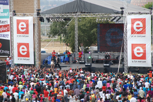 Entertainment by ETV at the Soweto Fest. Pictures From: www.joburg.org