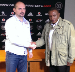New Orlando Pirates coach Vladimir Vermezovic and club Chairman Irvin Khoza at the unveiling of Vermezovic to the players on Thursday.  Pictures from: Orlandopirates.com