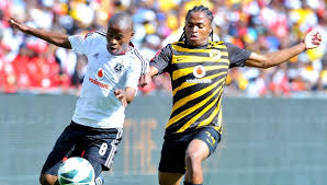 Orlando Pirates winger Thabo Matlaba battling on the ball with Kaizer Chiefs midfielder Siphiwe Tshabalala during their last derby encounter at Orlando Stadium.  Pictures by: KaizerChiefs.com