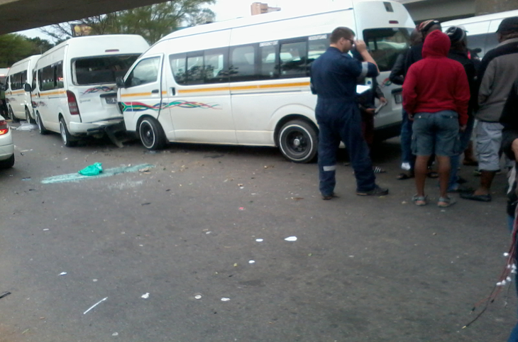 six people injured in a taxi collision journalismiziko. Black Bedroom Furniture Sets. Home Design Ideas