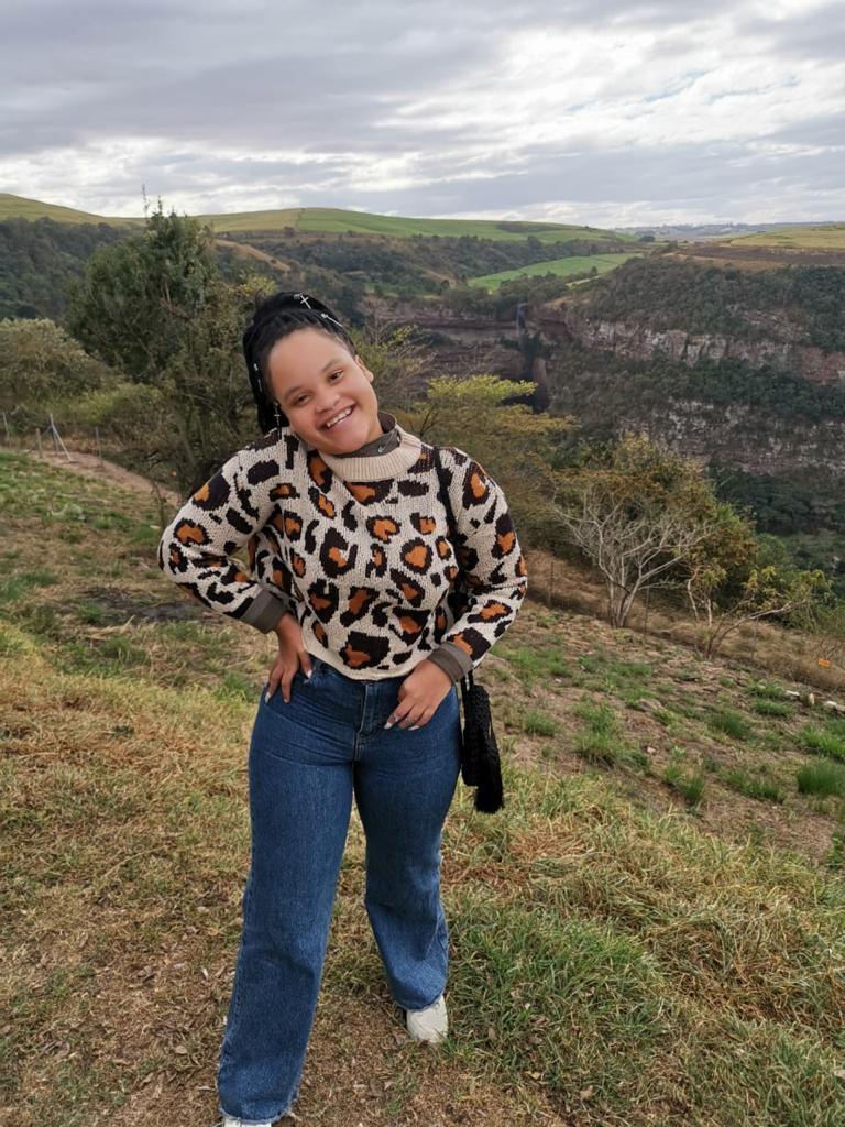 Minenhle Ndwandwe (Fashion Analyst)
